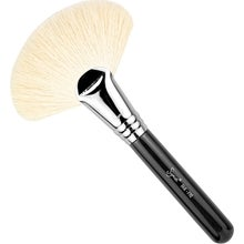 Sigma Beauty Sigma Fan Brush - F90